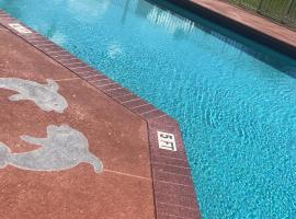 Hotel photo: Poolhouse for family