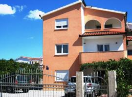 Hotel photo: Apartment in Rogoznica with Terrace, Air conditioning, Wi-Fi (4427-4)