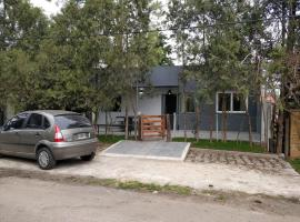 A picture of the hotel: Casa en Country