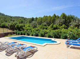 Hotel foto: Pollenca Villa Sleeps 6 Pool