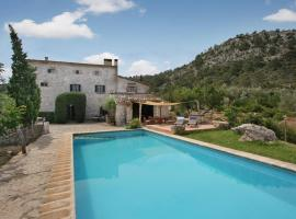 Hotel foto: Pollenca Villa Sleeps 8 Pool WiFi