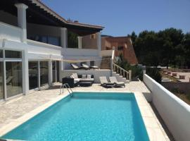 Hotel photo: Cala Vadella Villa Sleeps 6 Pool Air Con WiFi