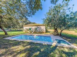 Hotel foto: Pollenca Villa Sleeps 4 Pool WiFi