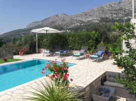 Hotel kuvat: Butkovine Villa Sleeps 6 Pool Air Con WiFi