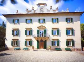 Hotel photo: Case Bolzano Villa Sleeps 12 Pool Air Con WiFi
