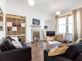 Hotel photo: Spacious Frederick Street Flat Heart of the Centre