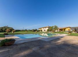 호텔 사진: Pietrasanta Apartment Sleeps 4 Pool Air Con