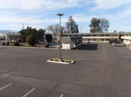 Hotel Photo: Econo Lodge Inn & Suites Central