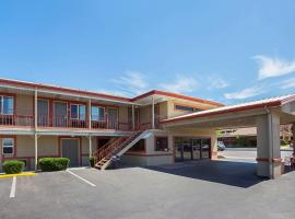 Hotel Photo: Econo Lodge Hurricane - Zion National Park Area