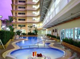 Hotel Photo: Baanklang HuaHin Hotel