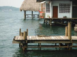 Hotel y Restaurante Backpackers Rio Dulce Town 과테말라