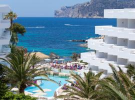 Hotel photo: FERGUS Style Cala Blanca Suites