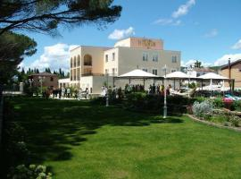 Hotel Photo: Hotel Holiday Sul Lago