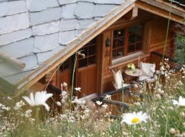 Hotel Photo: Chalet Hinter Dem Rot Stei