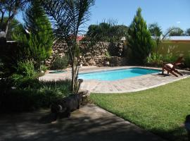 Hotel Photo: Auberge Omulonga Bed and Breakfast
