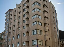 Hotel Photo: Aparthotel Arenteiro