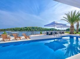 Hotel Photo: Perla Resort