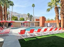 Bearfoot Inn - Clothing Optional Hotel for Gay Men, Palm Springs