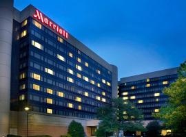 Hotel near  Newark Liberty Intl  airport:  Marriott Newark International Airport Hotel