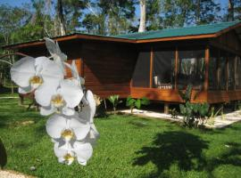 Casitas Calinas Teakettle Village Belize