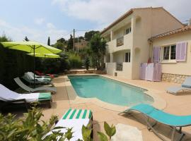 Hotel Photo: La Bastide des Pins