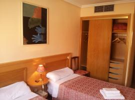 Hotel Photo: Hostal Juan XXIII