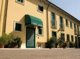 A picture of the hotel: Albergo Corte Antica