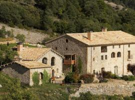 A picture of the hotel: Poble Rural Puig Arnau - Pubilló
