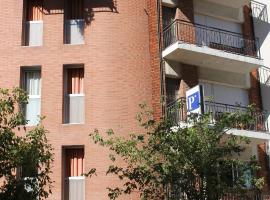 Hotel Photo: Hostal Cal Siles
