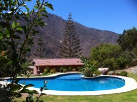 A picture of the hotel: Cabañas Aldea Memé