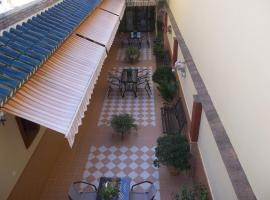 A picture of the hotel: Hostal Monteolivos