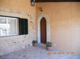 Hotel Photo: Casa Vacacional Son Bou 24