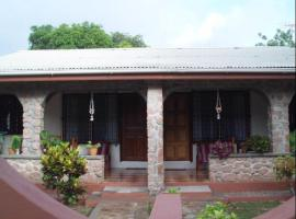 Seashell Self Catering Grand'Anse Praslin Seychellit