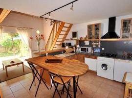 Hotel Photo: Holiday home chemin de Courrens