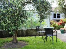 Hotel Photo: Olive Tree Bed & Breakfast