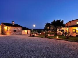 Hotel Photo: Borgo Mandoleto - Country Resort & Spa
