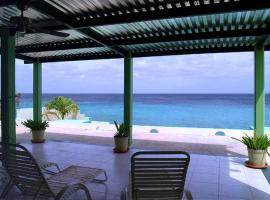 Hotel Photo: Marina Oceanfront Villa