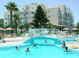 Hotel photo: Astreas Beach Hotel Apartments