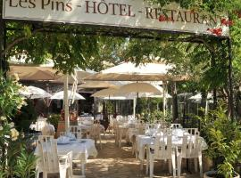 Hotel Photo: hotel restaurant les pins