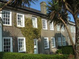 Hotel Photo: Ivy House Holiday Home