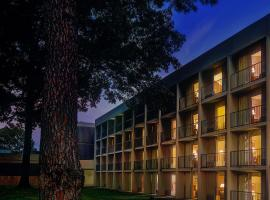 Whispering Woods Hotel & Conference Center Olive Branch USA