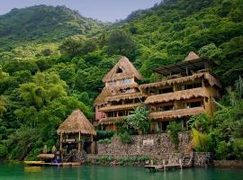 Hotel photo: Laguna Lodge Eco-Resort & Nature Reserve