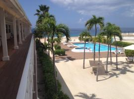 Hotel near  Owen Roberts Intl  airport:  The Riviera, Grand Cayman