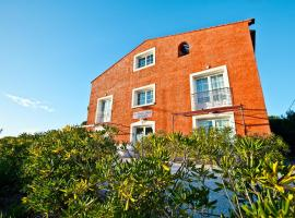 Hotel Photo: Residence Hoteliere La Pinede Bleue