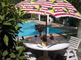 Hotel Photo: Homestay Jacarandas