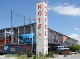 A picture of the hotel: Orange Wings Wiener Neustadt