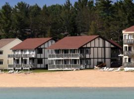 Hotel Photo: Waterfront Inn Mackinaw City