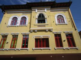 Hotel Photo: Vila Romeo And Juliet