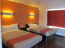 Hotel Photo: Motel 6 Oceanside Marina