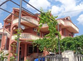 Hotel near  Tivat  airport:  Apartment Mona